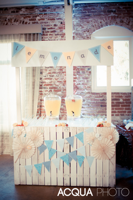 lemonade stand wedding